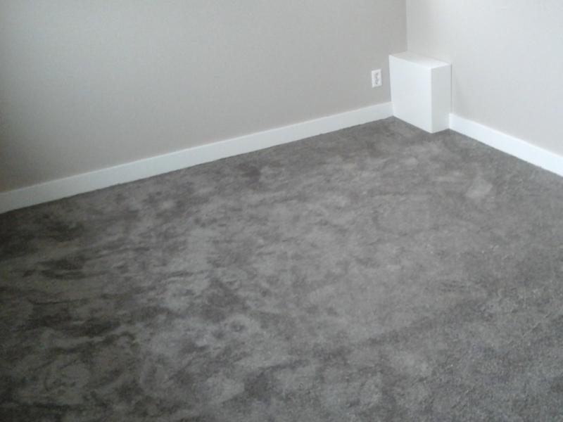 Klus Opheusden slaapkamer voorzien van tapijt Bunt stoffering