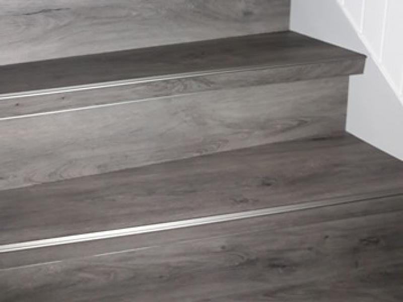 Pvc vloeren en trappen trappen pvc en aluminium strippen aad